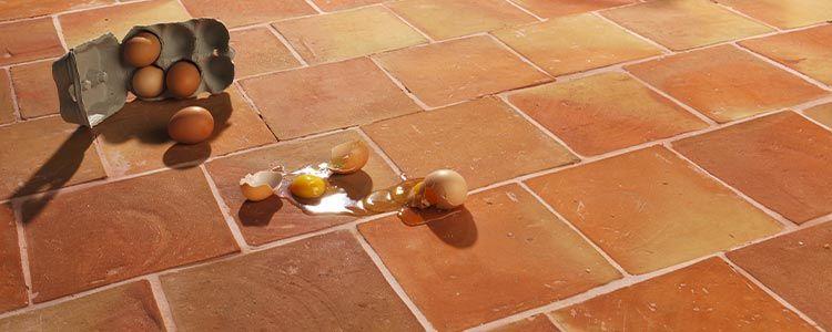 Sol en tomettes et terres cuites