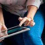Smartphone, tablette, ordinateur : comment nettoyer vos écrans ?