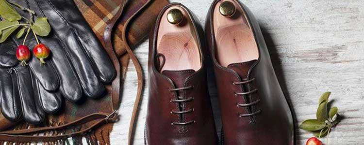 Chaussure et gant en cuir