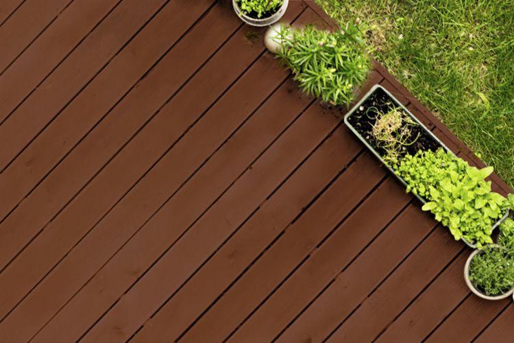 Infographie : Comment dégriser, protéger et nettoyer votre terrasse en bois ?