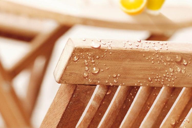 Chaise de jardin en teck et bois exotique