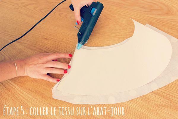 Etape 5 : Coller le tissu sur l'abat-jour