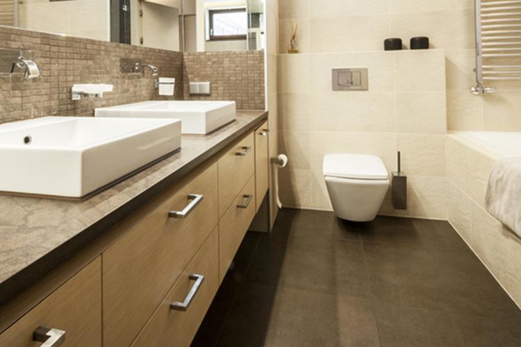 Enlever une tache de goudron sur du carrelage starwax - Enlever humidite salle de bain ...