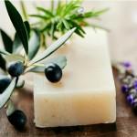 Découvrez les vertus ménagères du savon noir et du savon de Marseille