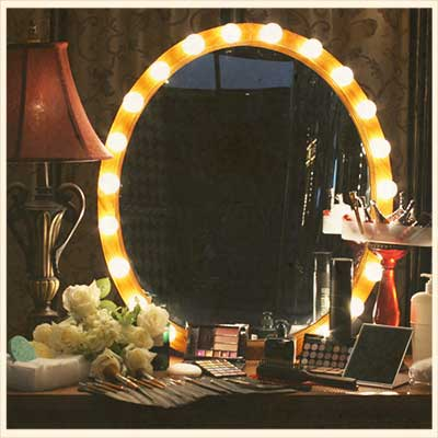La tendance des miroirs vintage starwax for Miroir hollywood
